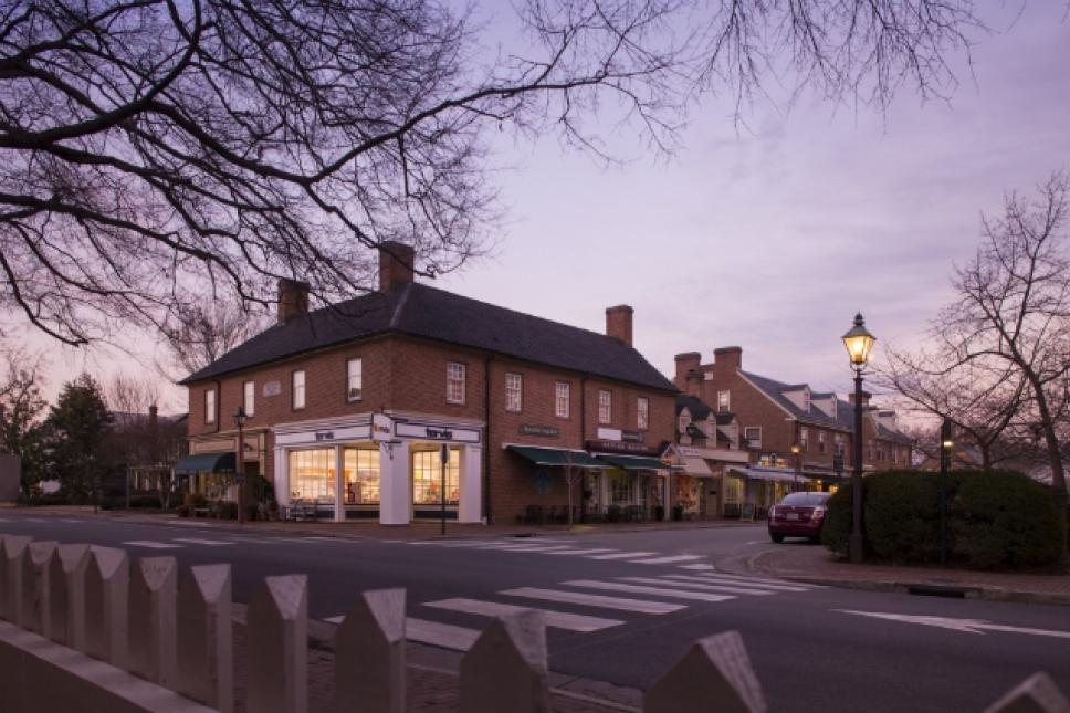 Fife and Drum Inn is historic Williamsburgs only downtown Inn