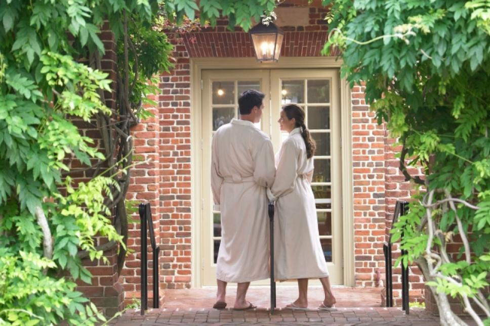 Couple at the entrance to the Spa of Colonial Williamsburg