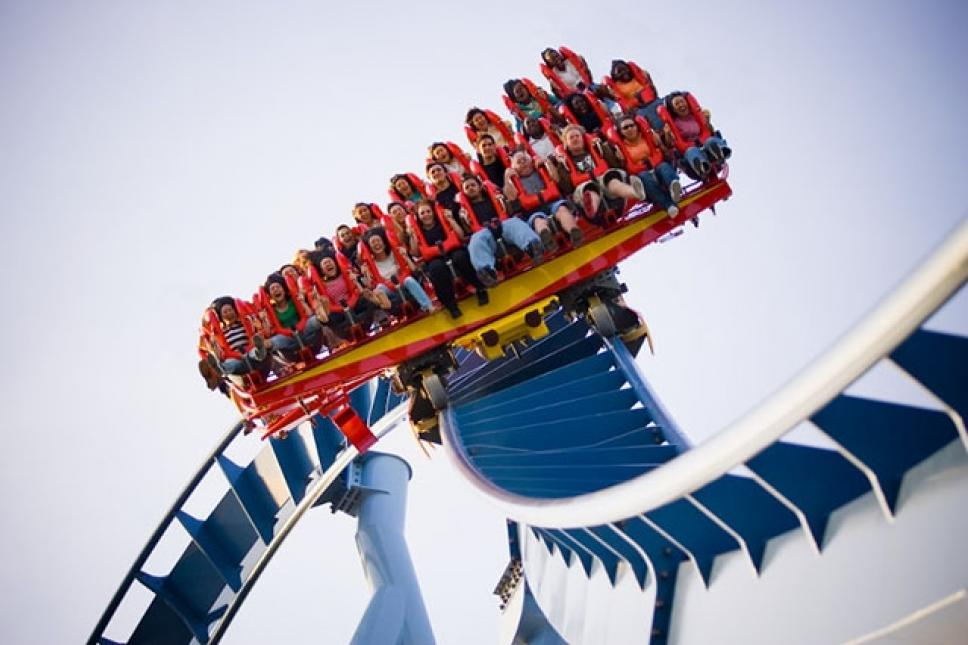 Join the bravest of ride warriors and challenge yourself to the 205-foot, 90-degree, 75 mph free fall.