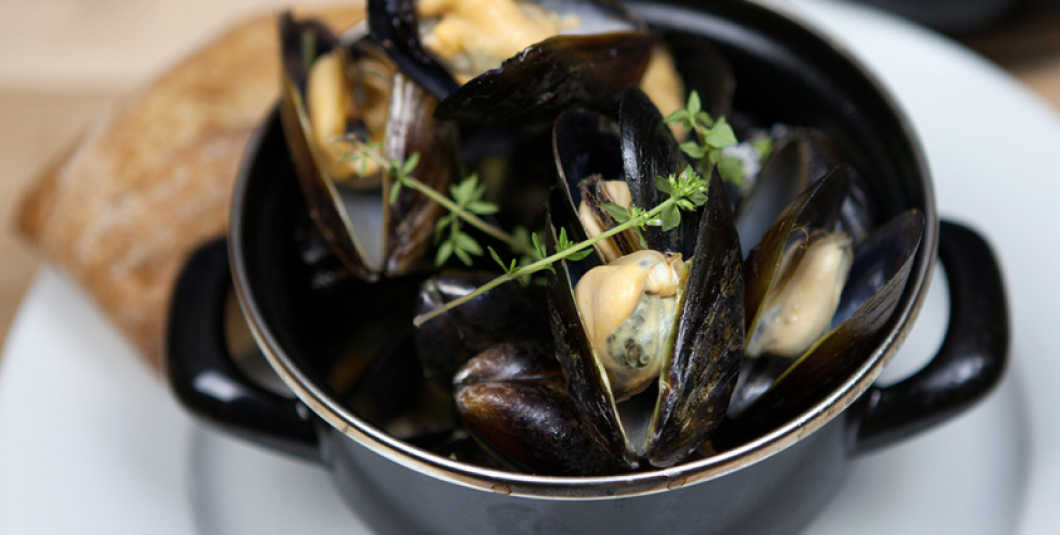 White Wine and Garlic Steamed PEI Mussels at the Gabriel Archer Tavern