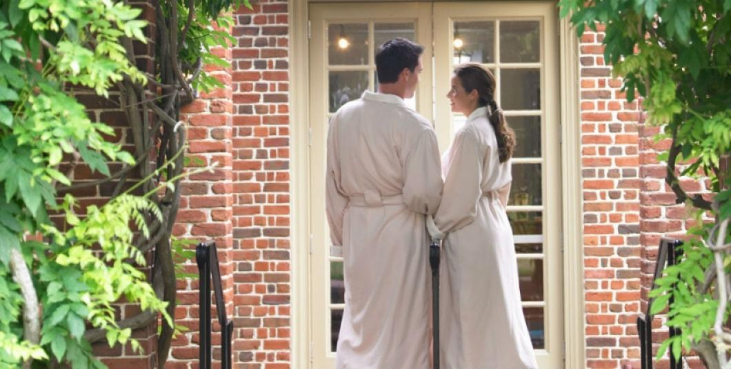 Couple at the entrance of the Spa of Colonial Williamsburg