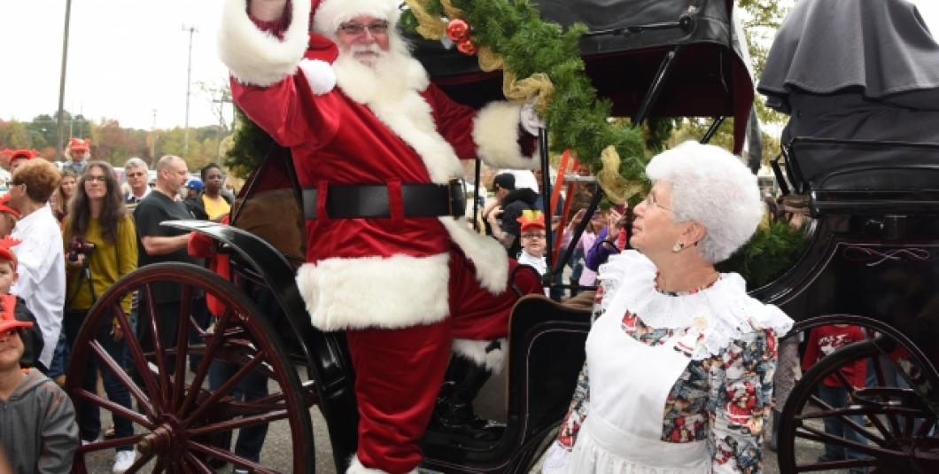 Santa arrives for the Holidays at Yankee Candle Village!