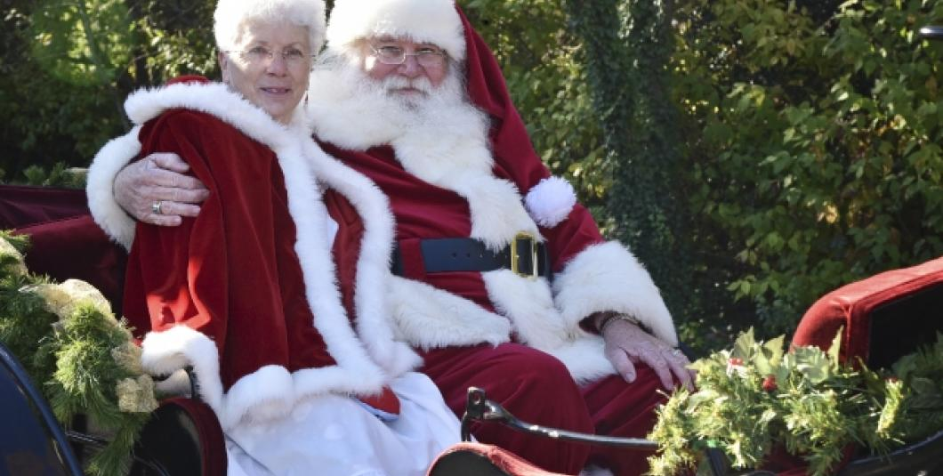 Santa arrives to the Village store by horse-drawn carriage at 9:45am!