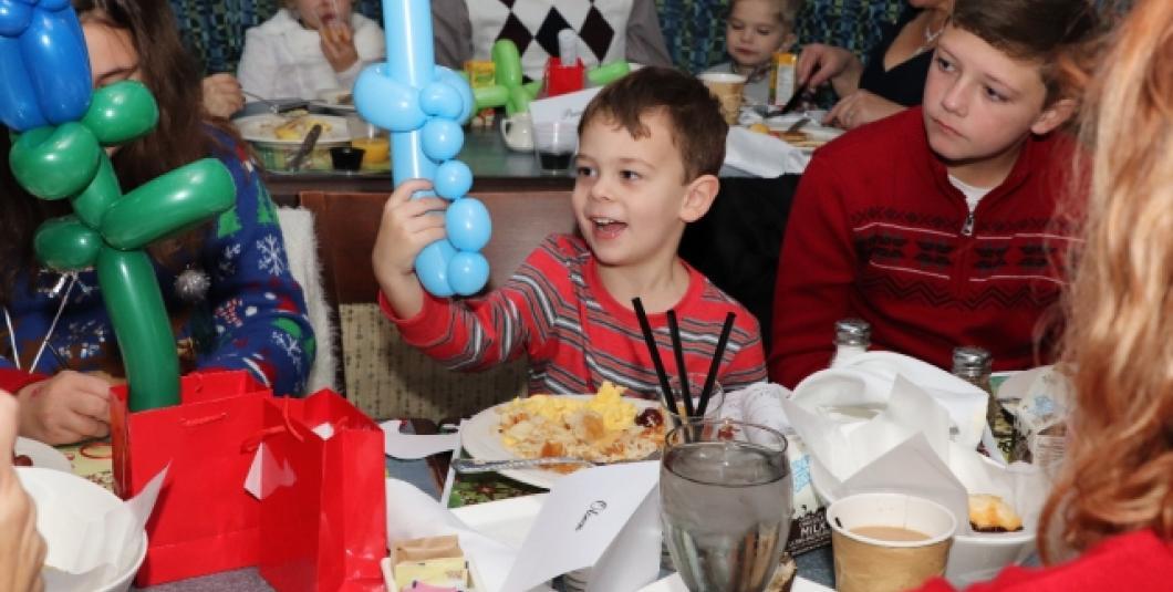 Balloon entertainment for the kids