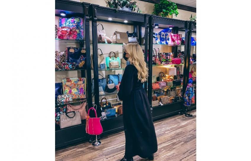 Leah Shopping