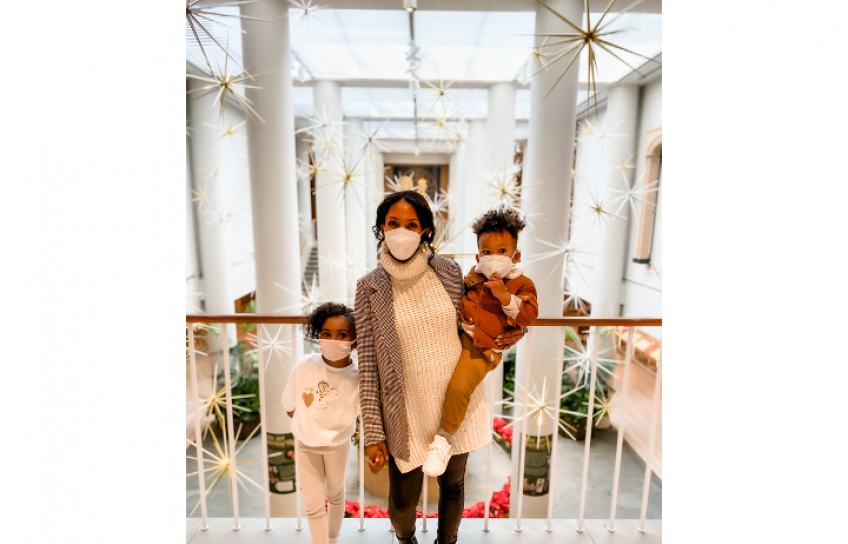 Ashley W and Kids at Art Museum