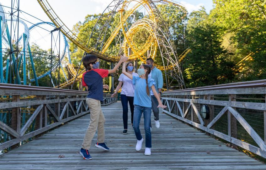 Family High Fives at Busch Gardens