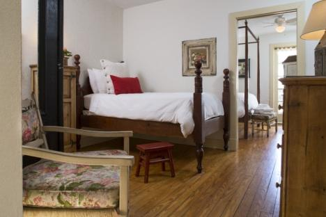 Restoration Suite, Fife and Drum Inn Bed and Breakfast Downtown Williamsburg