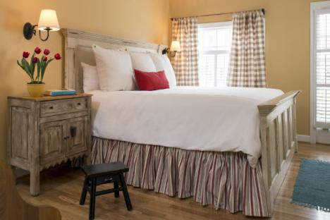 "King size bed in the Fife and Drum Inn ""Drummers Cottage"" Downtown Williamsburg"