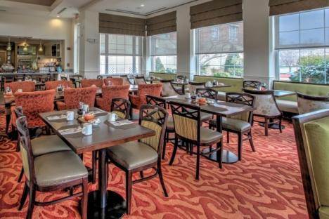 Restaurant seating at Hilton Garden Inn williamsburg
