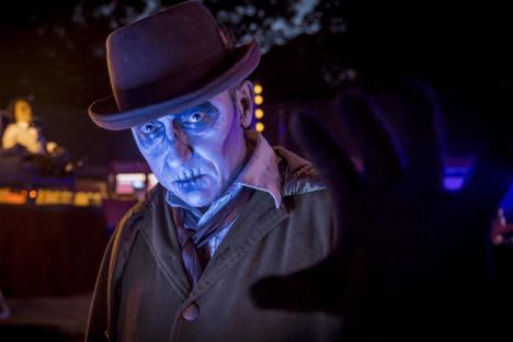 Sideshow Square terror-tory at Busch Gardens Howl-O-Scream