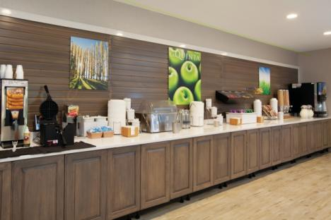 LaQuinta Inn & Suites Historic Area Breakfast room