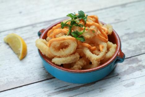 Calamares with alioli sauce