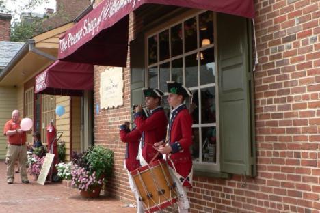 Fife and Drum visit The Peanut Shop of Williamsburg