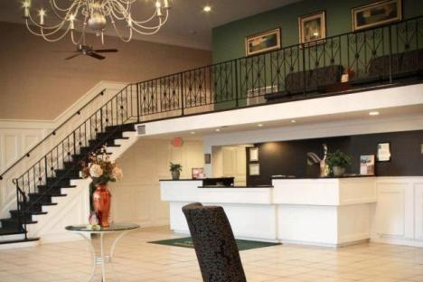 Lobby of Quality Inn & Suites