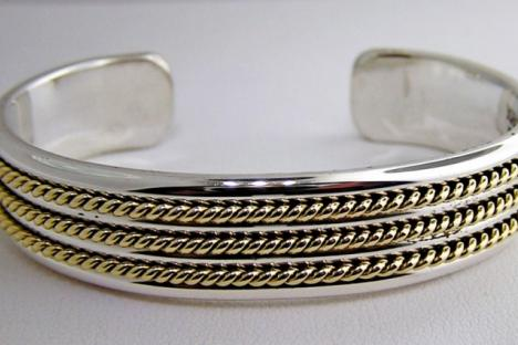 Viccellio Goldsmith creates jewelry that is not only unique and beautiful, but a work of art.