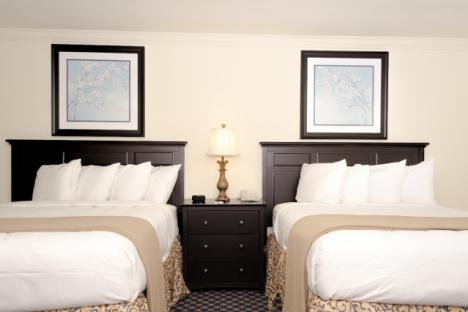 Colonial Double Queen Guestroom