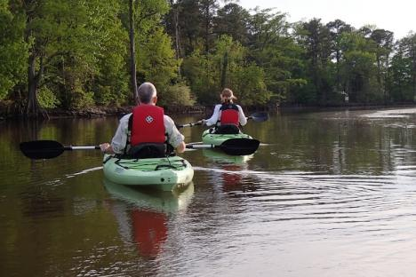 Paddlers enjoying Powhatan Creek