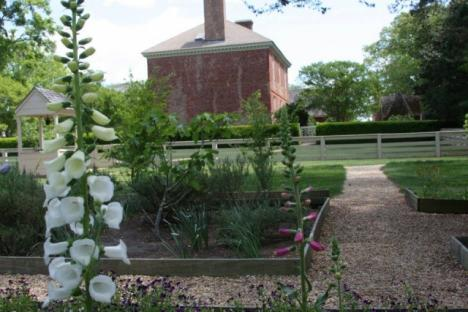 Spring is the perfect time to visit the gardens of Colonial Williamsburg.