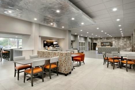 Spacious Modern Lobby