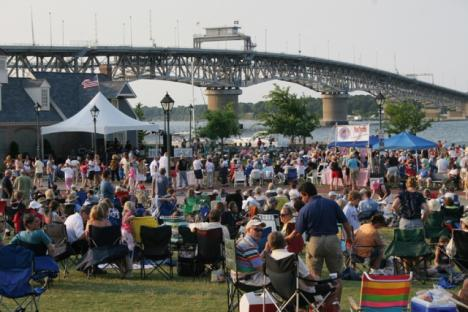 Enjoy dinner and a free concert down at the Riverwalk!