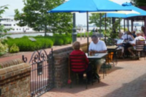 Riverwalk-Restaurant