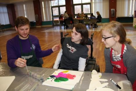 Buddy Art program for kids with disabilities, with W&M volunteers
