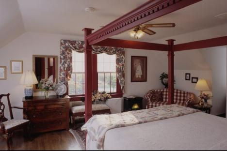 The Patrick Henry Room | King Bed