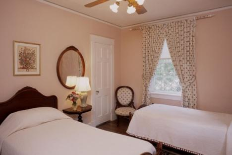 Queen Mary Room | 2 Twin Beds