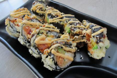 Rock N' Roll Sushi Roll - © Oishii Restaurant