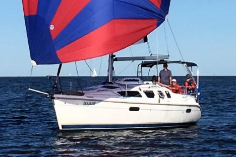 Learn to fly a spinnaker