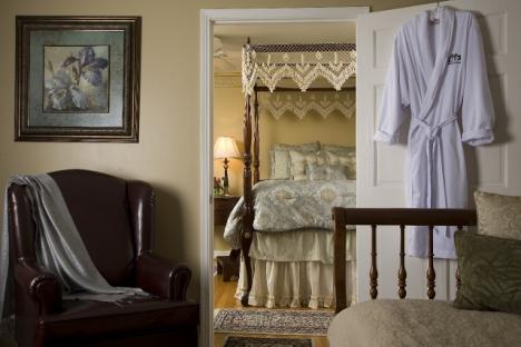 Relax in the Azelea Suite