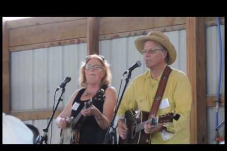 Embedded thumbnail for Open Door Concert: Robin & Linda Williams
